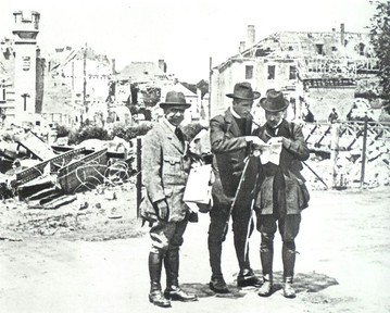 Geological Expedition to la Fere (Aisne), France, May 1920. Teilhard de Chardin is the one in the center.